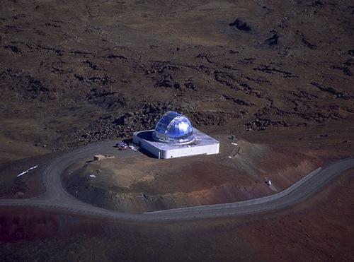 Mauna Kea dağının tepesindeki NASA Kızılötesi Teleskop Tesisi