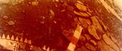 Venera 13 Uzay Aracı ile elde edilmiş Venüs yüzeyinin renkli  görüntüsü.
